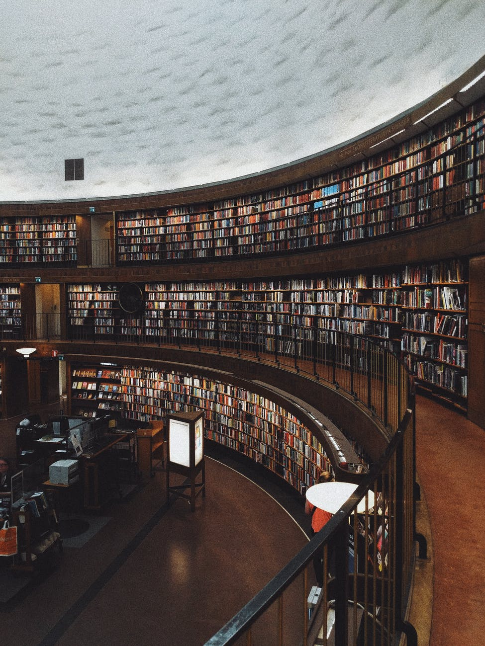 Five Ways Reading Makes You a Better Leader